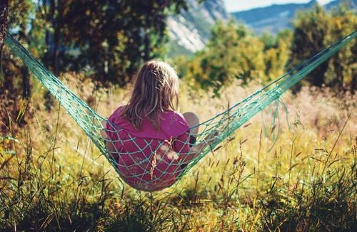 Wie man eine Netzhängematet aufhängt